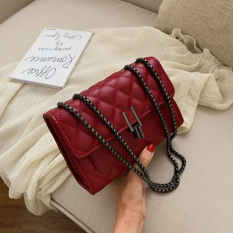 JTF2644 IDR.80.000 MATERIAL PU SIZE L20.5XH14.5XW8CM WEIGHT 500GR COLOR RED