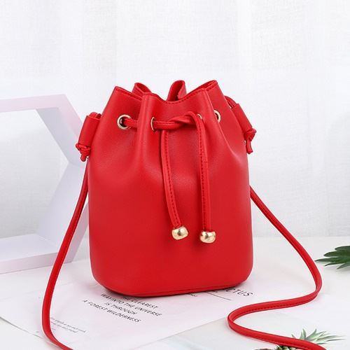 JTF2990 IDR.39.000 MATERIAL PU SIZE L18XH23X15CM WEIGHT 300GR COLOR RED