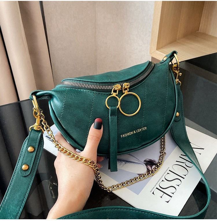 JTF30337 IDR.72.000  MATERIAL PU SIZE L15XH14XW6CM WEIGHT 350GR COLOR GREEN