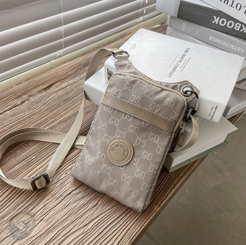 JTF31329 IDR.35.000 MATERIAL PU SIZE L13XH20XWW2CM WEIGHT 200GR COLOR GRAY