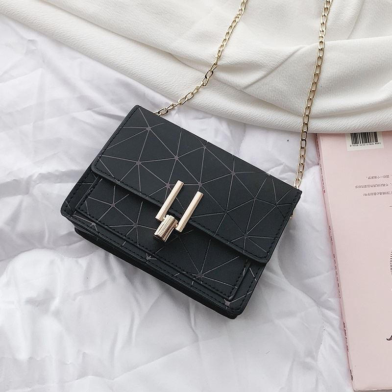 JTF3368 IDR.33.000 MATERIAL PU SIZE L17XH12XW6CM WEIGHT 200GR COLOR BLACK