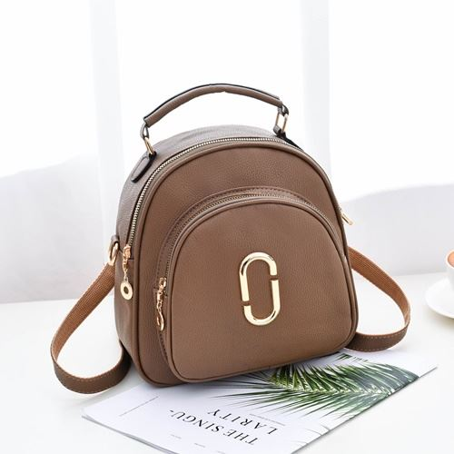 JTF35871 IDR.58.000 MATERIAL PU SIZE L23XH24XW15CM WEIGHT 600GR COLOR KHAKI