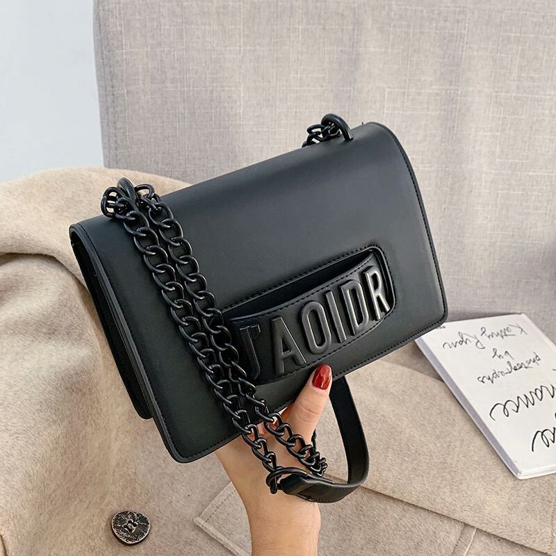 JTF3762 IDR.85.000 MATERIAL PU SIZE L22XH15XW8CM WEIGHT 510GR COLOR BLACK
