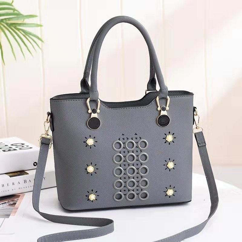 JTF3912 IDR.79.000 MATERIAL PU SIZE L28XH23XW13CM WEIGHT 700GR COLOR GRAY