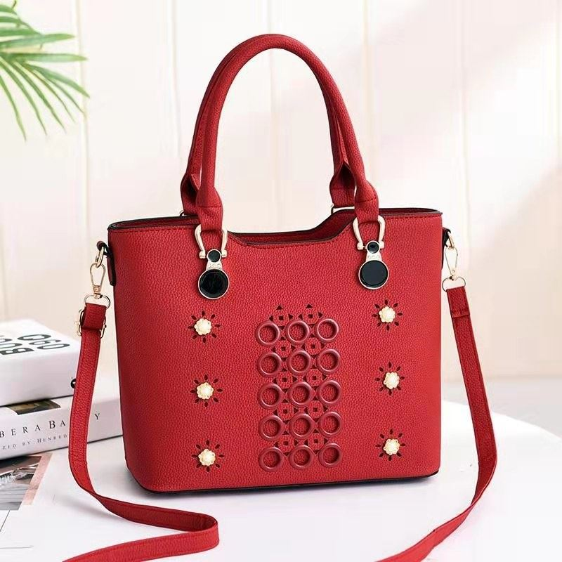 JTF3912 IDR.79.000 MATERIAL PU SIZE L28XH23XW13CM WEIGHT 700GR COLOR RED