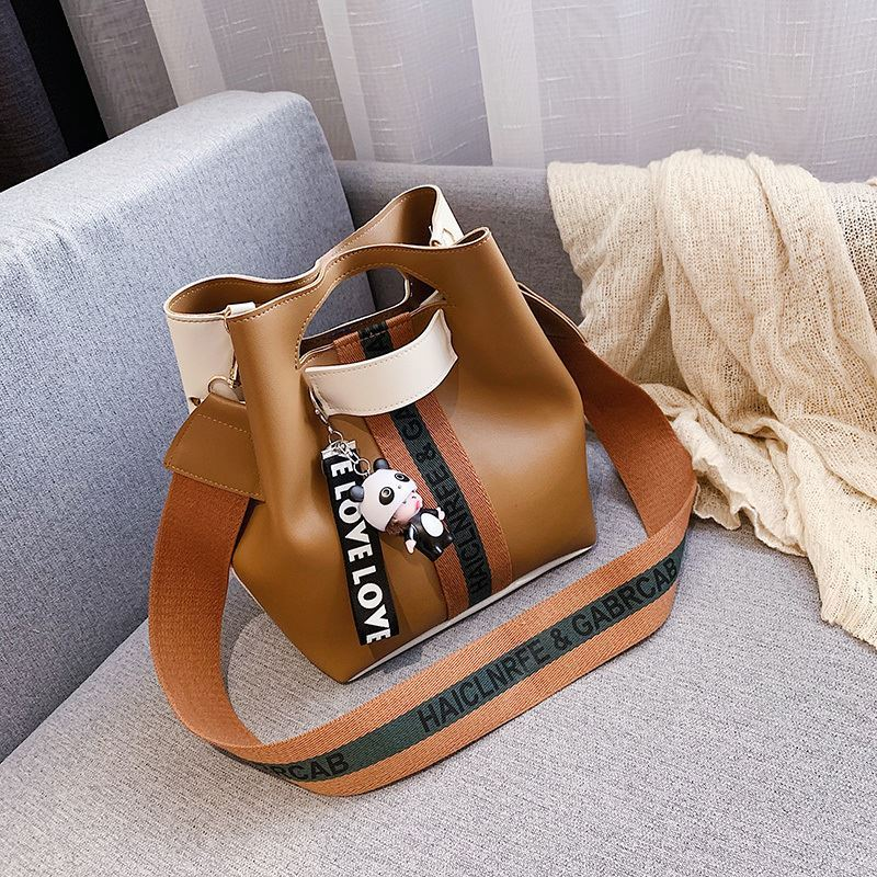 JTF46321 IDR.60.000 MATERIAL PU SIZE L24XH15XW24CM WEIGHT 450GR COLOR BROWN