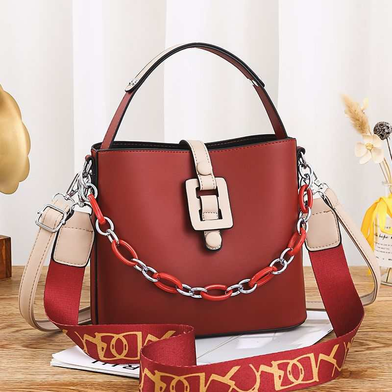 JTF6001 IDR.102.000 MATERIAL PU SIZE L23XH20XW11.5CM WEIGHT 600GR COLOR RED