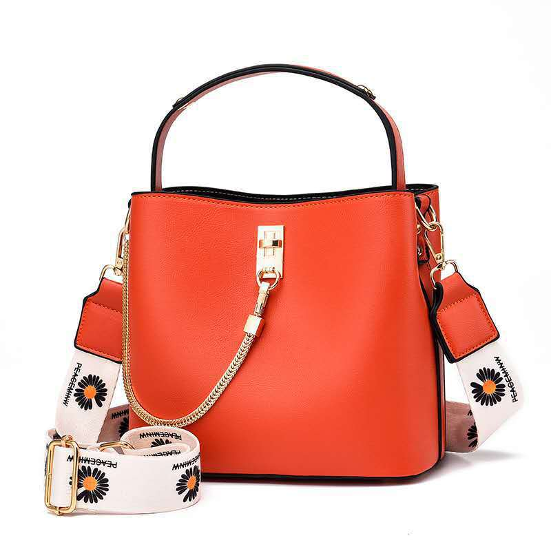 JTF6018 IDR.80.000 MATERIAL PU SIZE L22XH19XW12CM WEIGHT 650GR COLOR ORANGE