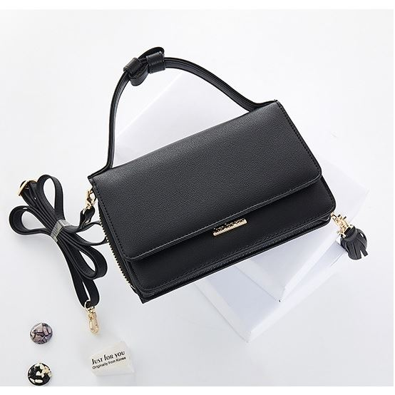 JTF608 IDR.70.000 MATERIAL PU SIZE L17.8XH12XW6CM WEIGHT 350GR COLOR BLACK