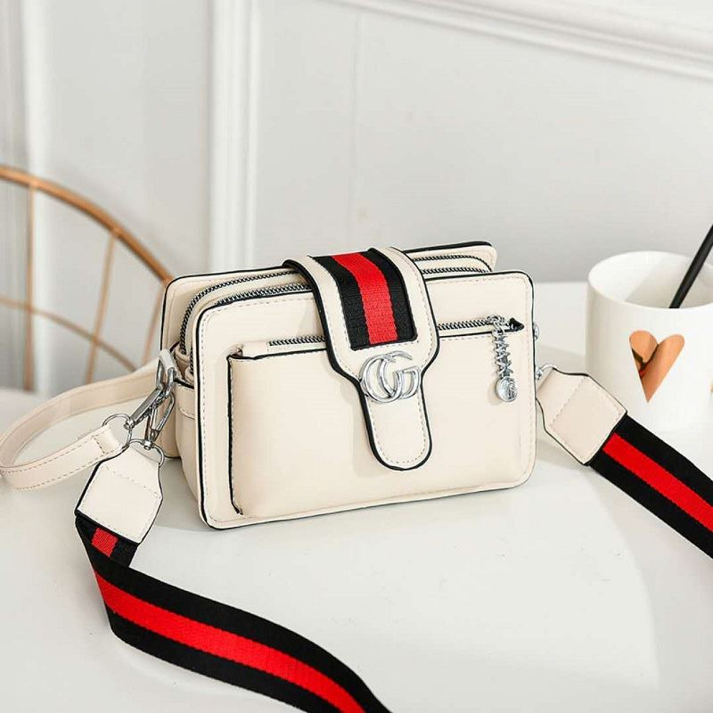 JTF6868 IDR.80.000 MATERIAL PU SIZE L21XH14XW7CM WEIGHT 650GR COLOR BEIGE