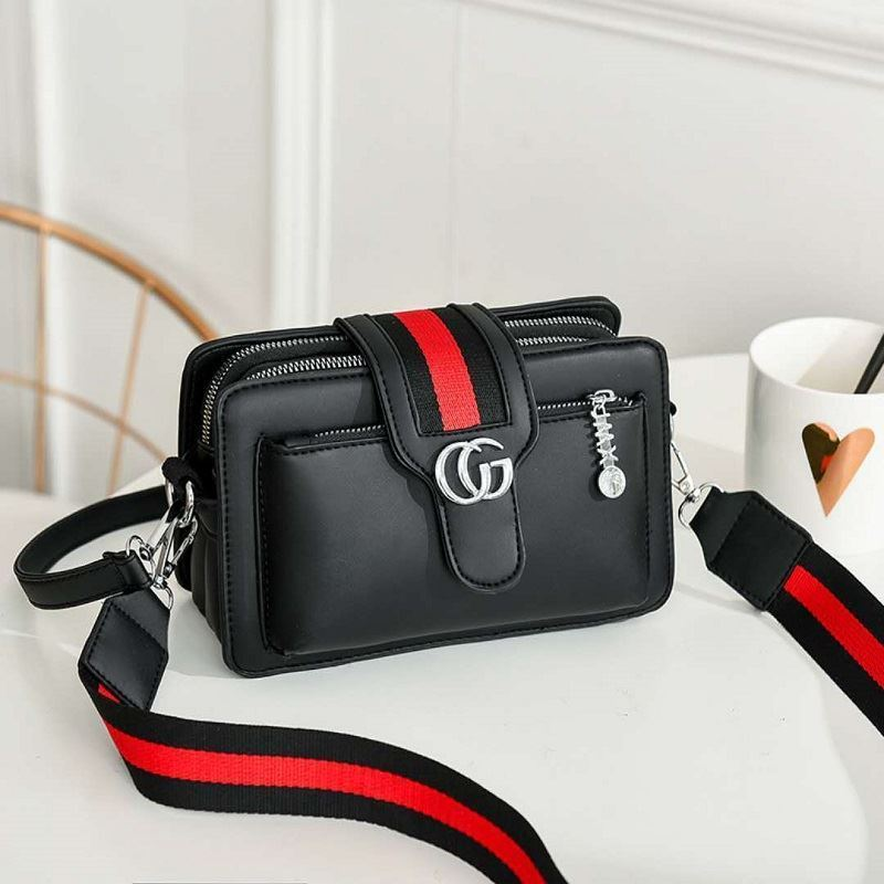 JTF6868 IDR.80.000 MATERIAL PU SIZE L21XH14XW7CM WEIGHT 650GR COLOR BLACK