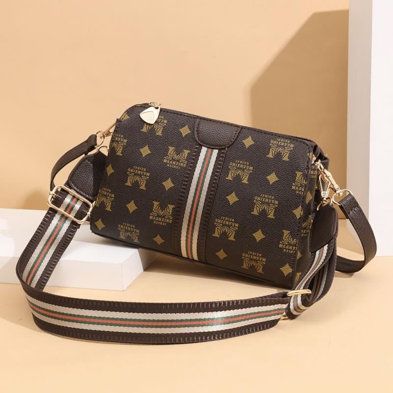 JTF7003 IDR.73.000  MATERIAL PU SIZE L24XH17XW11CM WEIGHT 500GR COLOR CROWN