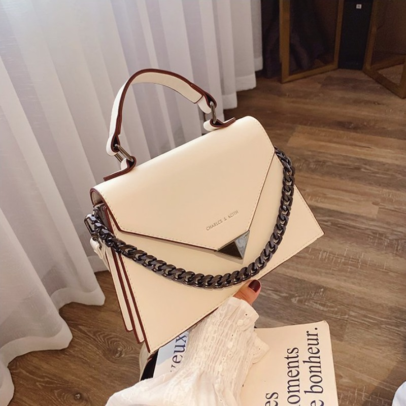 JTF7242 IDR.72.000 MATERIAL PU SIZE L25XH18XW9CM WEIGHT 620GR COLOR BEIGE