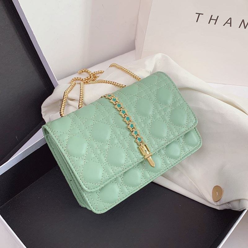 JTF7244 IDR.70.000 MATERIAL PU SIZE L22XH16XW8CM WEIGHT 550GR COLOR GREEN