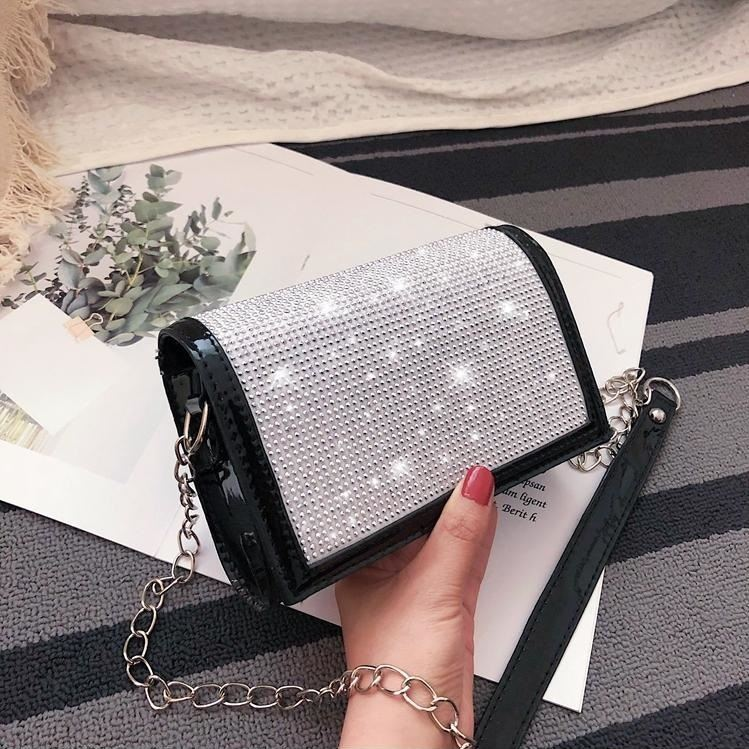 JTF7437 IDR.55.000 MATERIAL PU SIZE L19XH12XW6CM WEIGHT 350GR COLOR BLACK