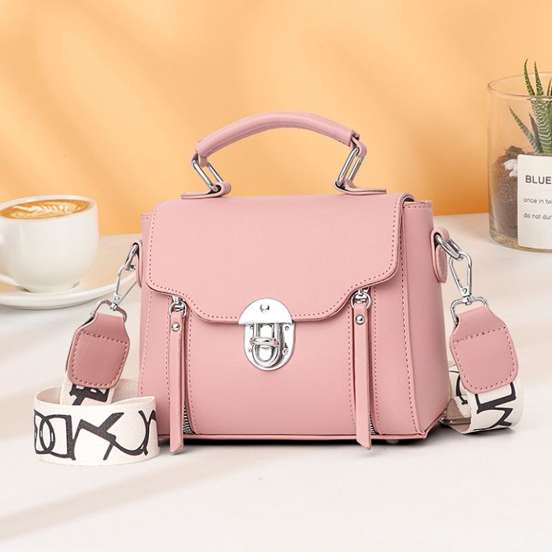 JTF7641 IDR.77.000 MATERIAL PU SIZE L21XH17XW11CM WEIGHT 430GR COLOR PINK