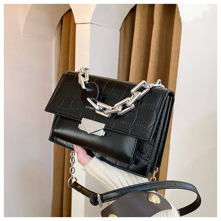 JTF7650 IDR.70.000 MATERIAL PU SIZE L20XH14XW8CM WEIGHT 500GR COLOR BLACK