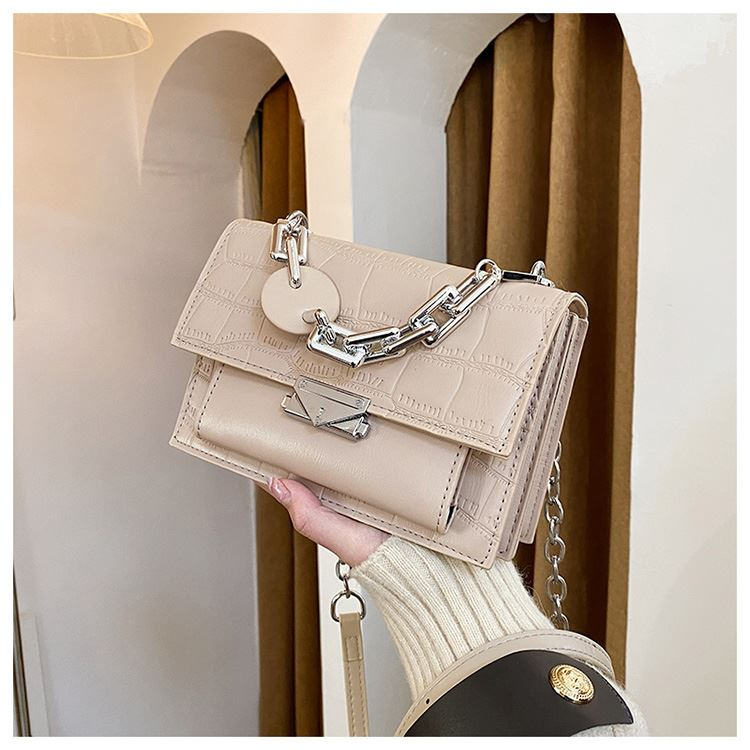 JTF7650 IDR.70.000 MATERIAL PU SIZE L20XH14XW8CM WEIGHT 500GR COLOR KHAKI