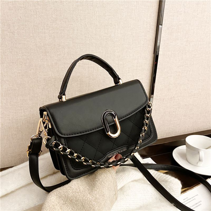 JTF77802 IDR.76.000 MATERIAL PU SIZE L20XH14XW8CM WEIGHT 450GR COLOR BLACK