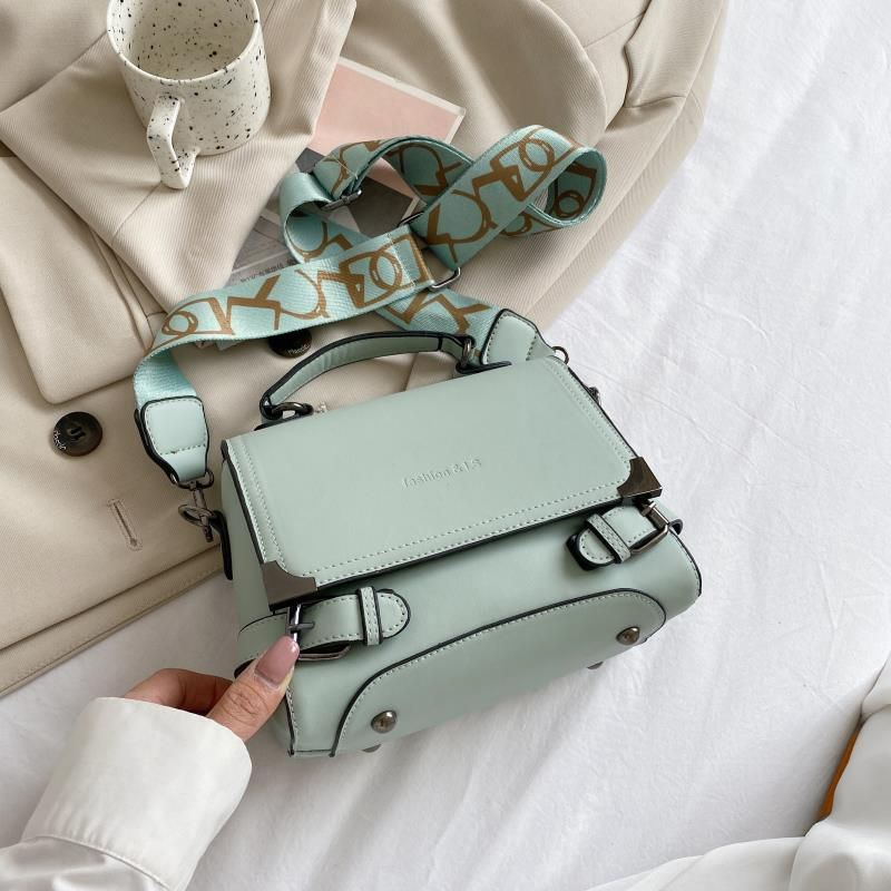 JTF77805 IDR.158.000 MATERIAL PU L22XH16XW12CM WEIGHT 500GR COLOR GREEN