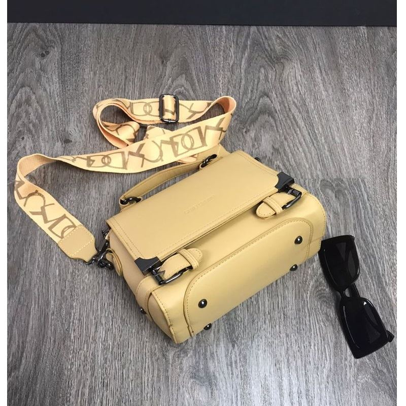 JTF77805 IDR.158.000 MATERIAL PU L22XH16XW12CM WEIGHT 500GR COLOR YELLOW