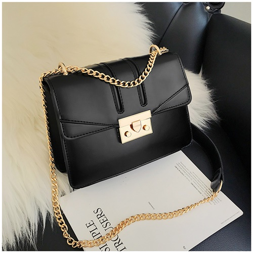 JTF8015 IDR.99.000 MATERIAL PU SIZE L20XH15XW7CM WEIGHT 450GR COLOR BLACK