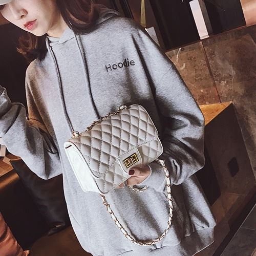 JTF8083 IDR.69.000 MATERIAL PU SIZE L21XH15XW7CM WEIGHT 450GR COLOR WHITE