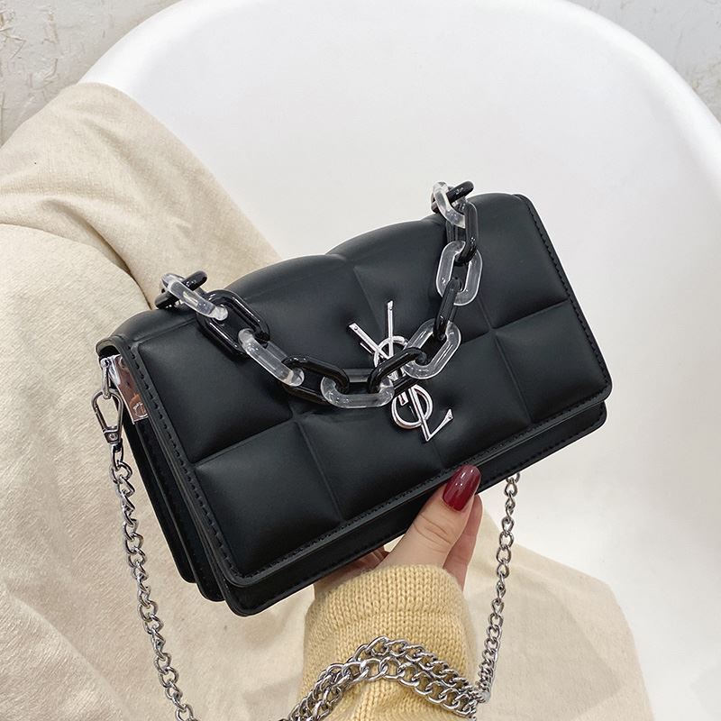JTF8132 IDR.65.000 MATERIAL PU SIZE L23XH14XW7CM WEIGHT 550GR COLOR BLACK