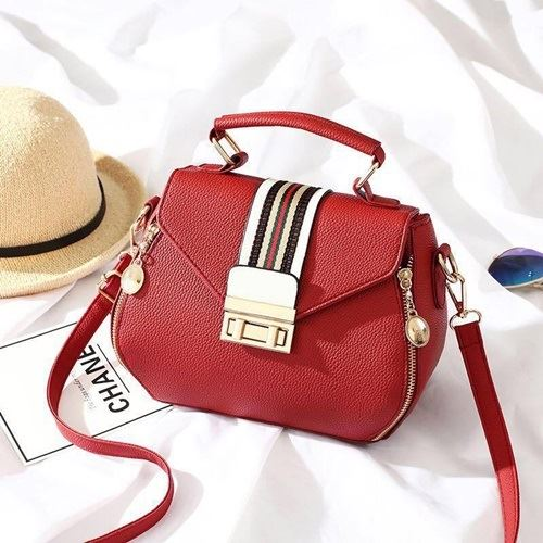 JTF81345 IDR.89.000  MATERIAL PU SIZE L22XH16XW12CM WEIGHT 650GR COLOR RED