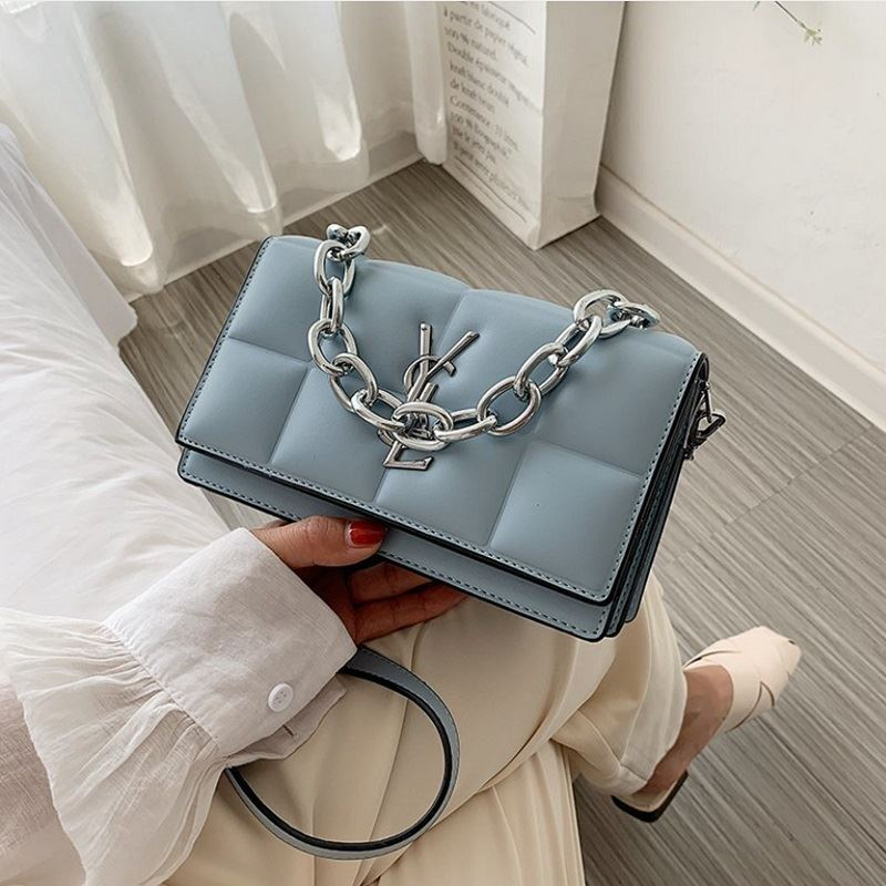 JTF8136 IDR.85.000 MATERIAL PU SIZE L20.5XH12XW8CM WEIGHT 550GR COLOR BLUE