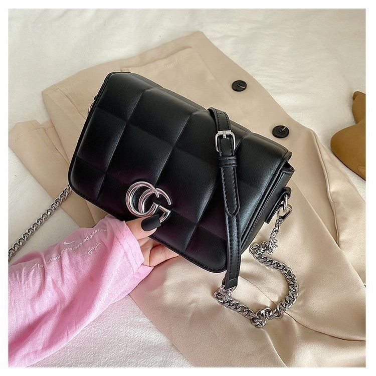 JTF8137 IDR.94.000 MATERIAL PU SIZE L20XH14XW8CM WEIGHT 700GR COLOR BLACK