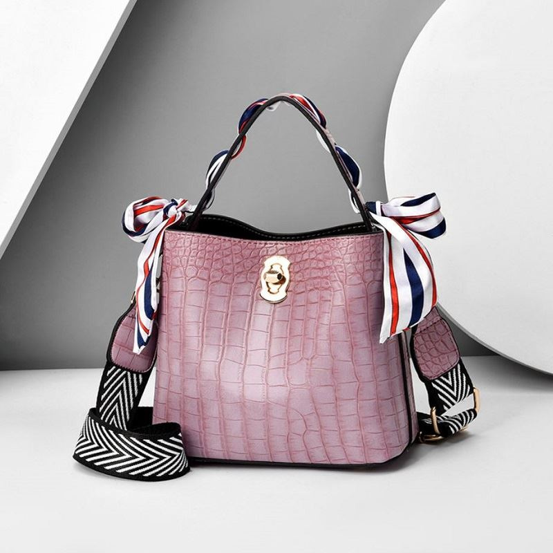 JTF8151 IDR.69.000 MATERIAL PU SIZE L20XH21XW10CM WEIGHT 700GR COLOR PURPLE