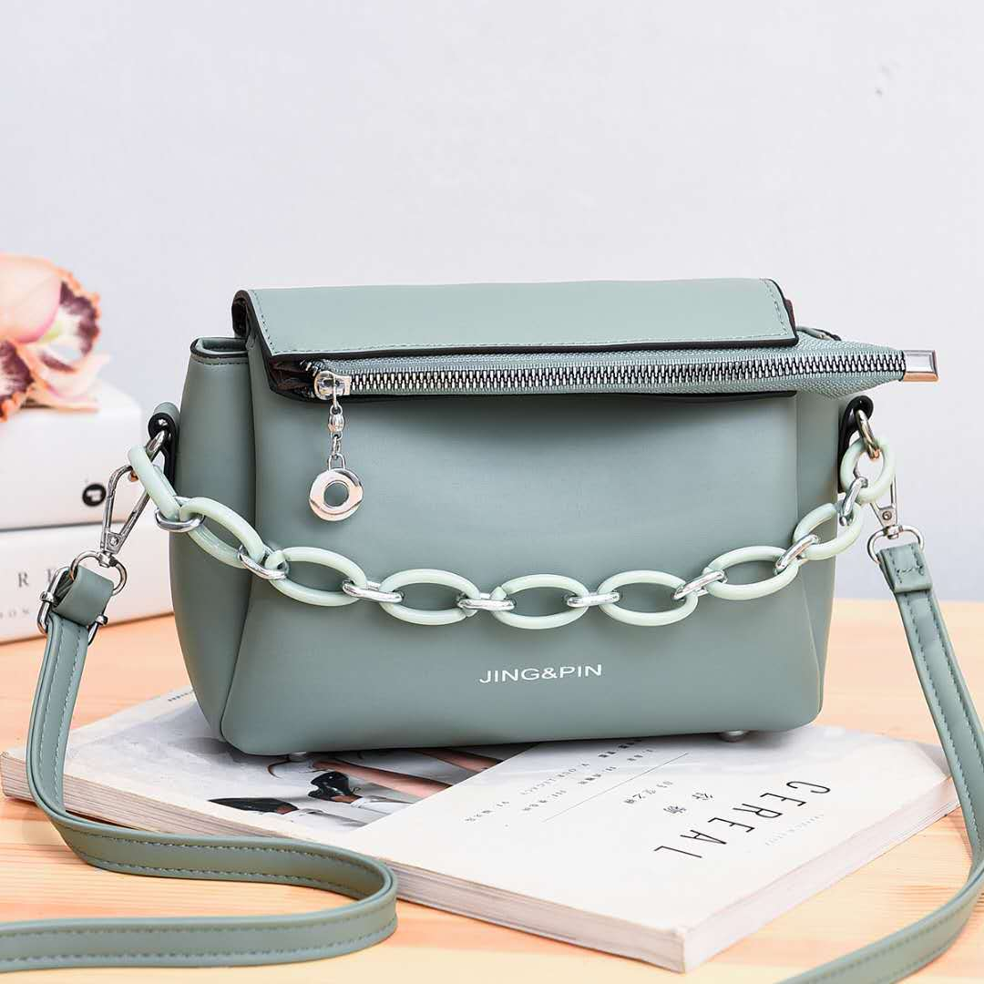 JTF830 IDR.91.000 MATERIAL PU SIZE L21XH16XW10CM WEIGHT 550GR COLOR GREEN