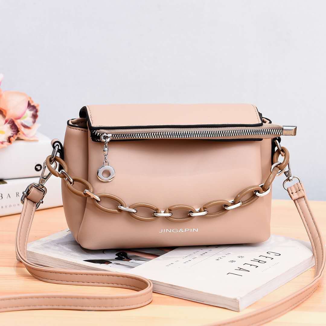 JTF830 IDR.91.000 MATERIAL PU SIZE L21XH16XW10CM WEIGHT 550GR COLOR KHAKI