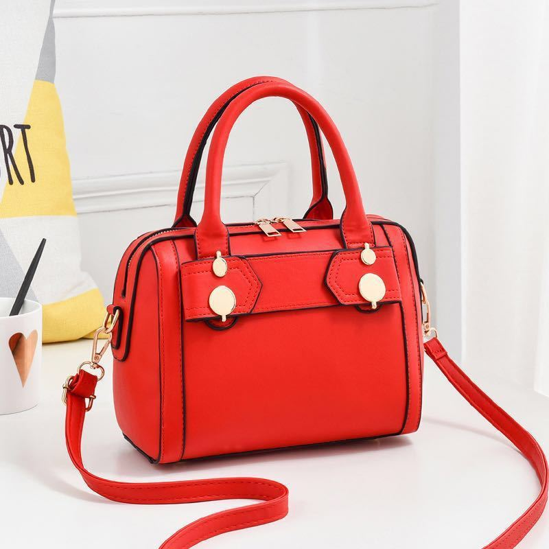 JTF8802 IDR.50.000 MATERIAL PU SIZE L23XH17.5XW12CM WEIGHT 700GR COLOR RED