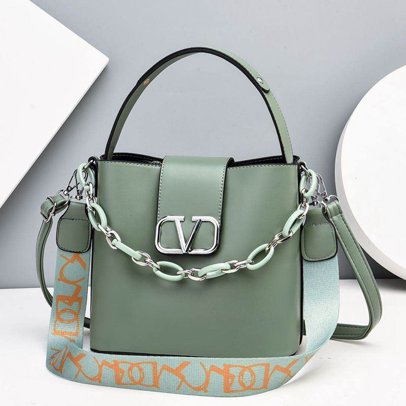 JTF88101 IDR.85.000 MATERIAL PU SIZE L23XH21XW12CM WEIGHT 600GR COLOR GREEN