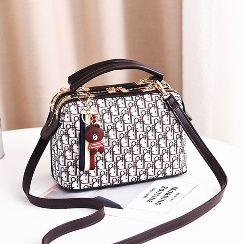 JTF88765 IDR.89.000 MATERIAL PU SIZE L18XH19XW6CM WEIGHT 700GR COLOR PINK
