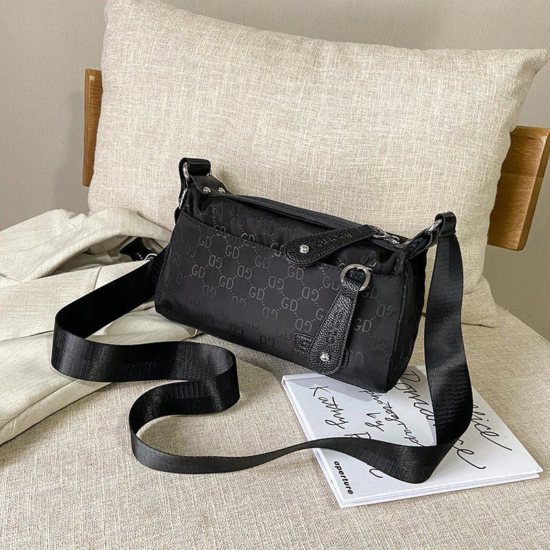 JTF90750 IDR.58.000 MATERIAL NYLON SIZE L23XH12XW7.5CM WEIGHT 250GR COLOR BLACK