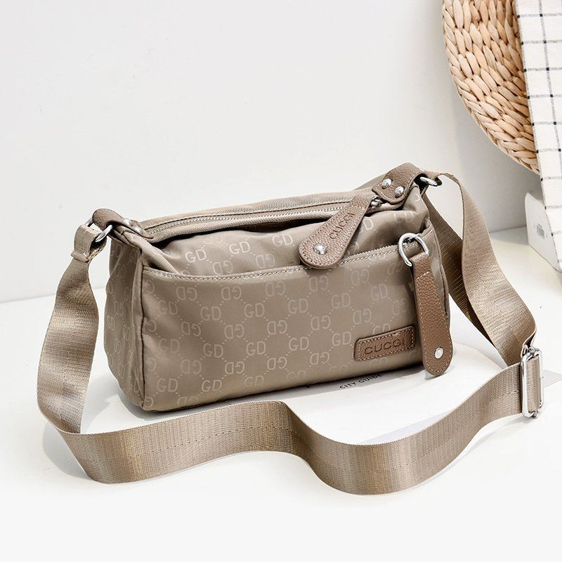 JTF90750 IDR.58.000 MATERIAL NYLON SIZE L23XH12XW7.5CM WEIGHT 250GR COLOR KHAKI