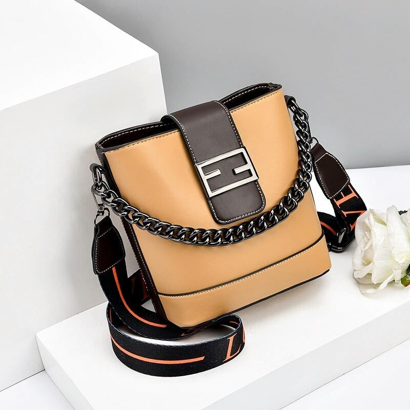JTF9963 IDR.70.000  MATERIAL PU SIZE L20XH19XW11CM WEIGHT 500GR COLOR YELLOW